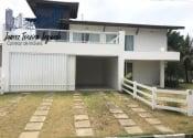 Casa em condomínio fechado no Guarajuba, Camaçari por R$2.900.000,00 por dia