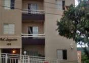 Apartamento na Rua Antônio Molina Guaiume, Jardim Pacaembu, Valinhos por R$270.000,00