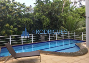 Casa em condomínio fechado no Alphaville I, Salvador por R$11.000,00