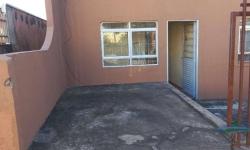Casa com 3 quartos para alugar, 55m²
