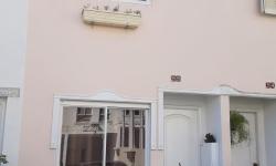 Casa em condomínio fechado com 2 quartos para alugar, 108m²