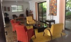 Casa em condomínio fechado com 8 quartos para alugar, 700m²