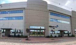 Sala comercial com 1 sala para alugar, 592m²