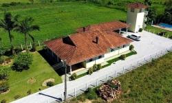 Fazenda com 4 salas à venda, 300m²
