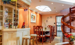 Apartamento com 4 quartos para alugar, 225m²