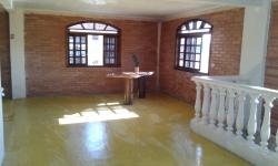 Casa com 3 quartos para alugar, 250m²