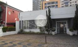 Casa comercial com 4 salas para alugar, 432m²
