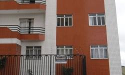 Apartamento com 3 quartos para alugar, 50m²