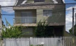 Casa com 3 quartos à venda, 175m²