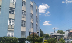 Apartamento com 2 quartos para alugar, 72m²