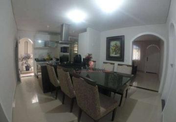 Estados, Casa com 3 quartos à venda, 180 m2