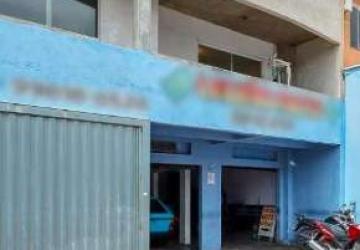 Uberaba, Prédio com 4 salas à venda, 240 m2
