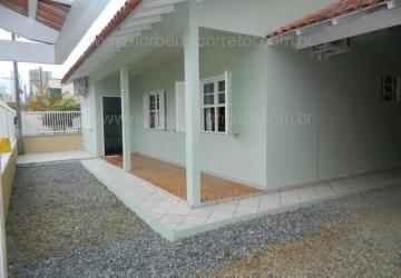 Meia Praia, Casa com 4 quartos para alugar