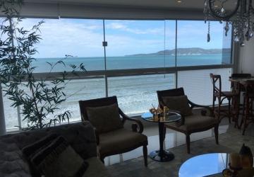 Lindo apartamento frente mar Meia Praia