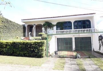 Excelente casa no coração hugo lange residencial ou comercial