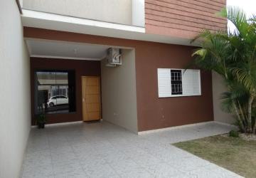 Excelente Casa à Venda 3 Quartos
