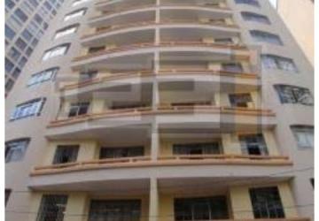 Aluga se ótimo apartamento semi mobiliado próximo à praça Osório
