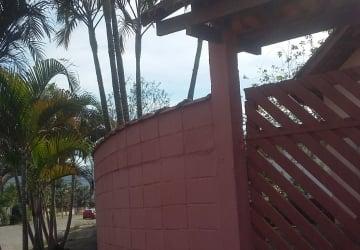 Casa 2 quartos - terreno de esquina - Pontal Santa Marina