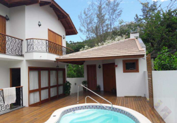 Centro, Casa com 4 quartos à venda, 240 m2