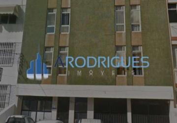 Amaralina, Prédio com 36 salas para alugar