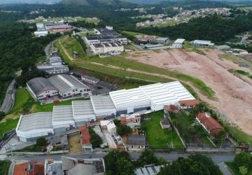 Laranjeiras, Barracão / Galpão / Depósito para alugar, 2000 m2