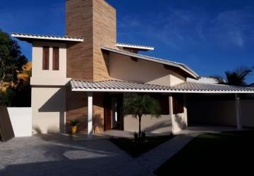 Guarajuba, Casa em condomínio fechado com 5 quartos para alugar, 150 m2