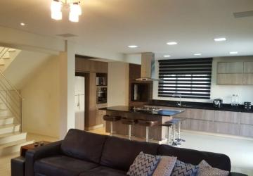 Centro, Casa em condomínio fechado com 2 quartos à venda, 201 m2