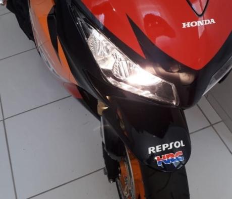 HONDA CBR 1000 RR FIRE BLADE - 2013 em Curitiba - PR
