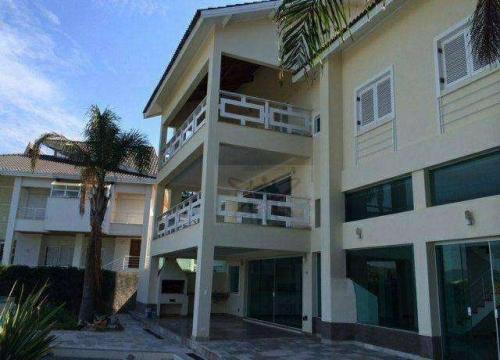 Casa em condomínio fechado com 10 quartos para alugar