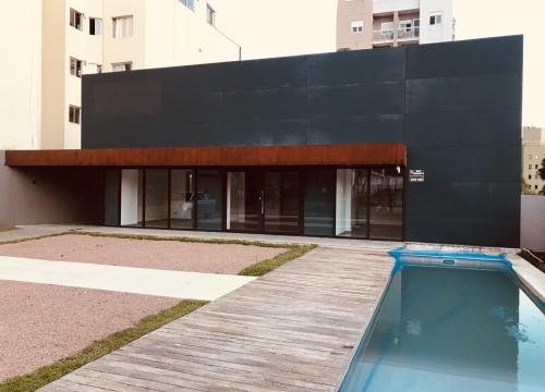 Casa comercial com 9 salas para alugar
