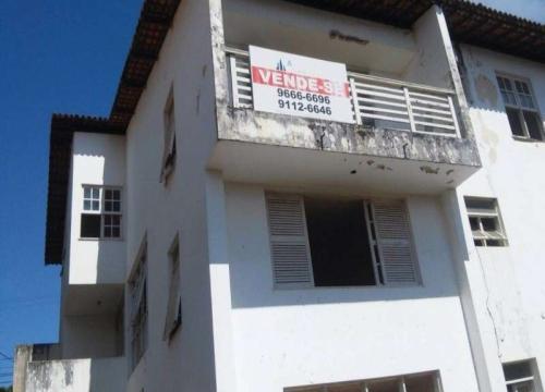 Casa com 8 quartos à venda